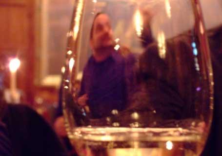 mann-gjennom-glass.jpg