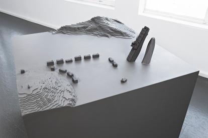 Johan Zetterquist har spesialisert seg på modeller av utopiske prosjekter. Foto utlånt fra Momentum.